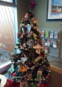 okotoks-health-wellness-social-club-reading-tree